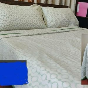 Quilt made from muslin and cotton, handmade